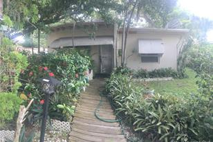 12715 NW 10th Ave - Photo 1