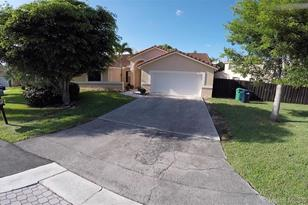 15571 SW 43rd Ter - Photo 1