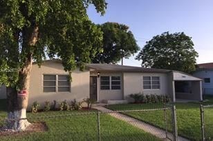 3460 NW 1st St - Photo 1