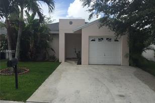 3810 NW 23rd Pl - Photo 1