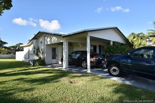 2809 NW 48th St - Photo 1