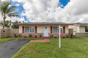 2908 NW 48th St - Photo 1