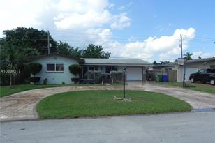 8321 NW 15th Ct - Photo 1