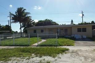 17920 NW 42nd Ave - Photo 1