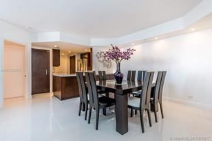 701 Brickell Key Blvd #1811 - Photo 1