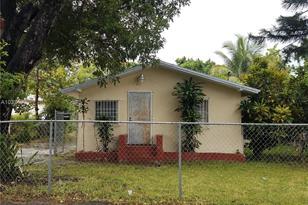 8111 NE Miami Ct - Photo 1