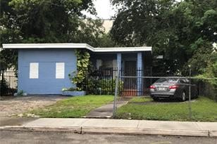 220 NW 47th St - Photo 1