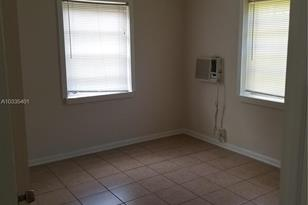 3505 SW 12th Pl - Photo 1