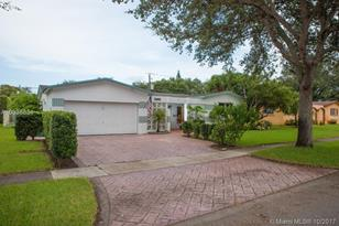 5090 SW 89th Ave - Photo 1
