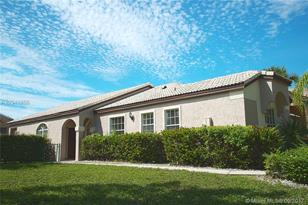 15720 NW 11th St - Photo 1