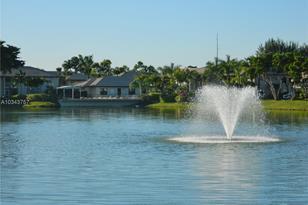 5511 Lakeside #101 - Photo 1