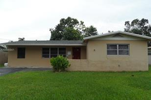 5060 SW 94th Ter - Photo 1