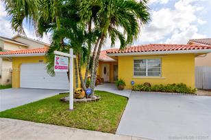 10821 SW 144th Ave - Photo 1