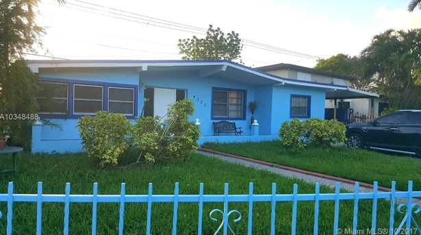 4320 SW 112th Ave - Photo 1