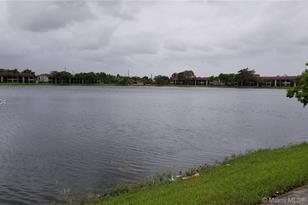 211 Lake Pointe Dr #201 - Photo 1