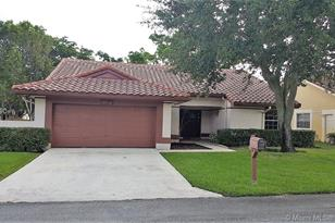 10404 NW 9th Pl - Photo 1