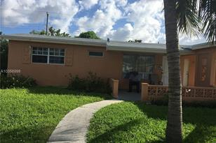 3380 NW 34th St - Photo 1