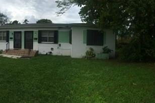 1260 NW 58th St - Photo 1