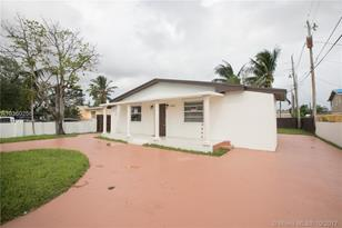 11223 SW 5th Ter - Photo 1