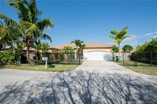 18505 SW 132nd Ave - Photo 1