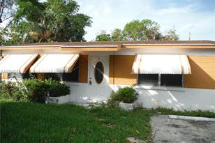 511 NW 3rd St - Photo 1