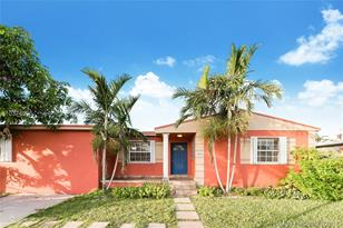6853 SW 28th Ter - Photo 1
