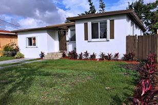3041 SW 64th Ave - Photo 1