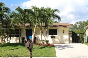 9467 SW 52nd Ct - Photo 1