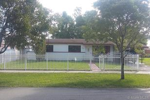 1830 NW 191 St - Photo 1