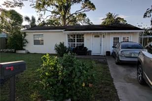 1399 SW 47th Ter - Photo 1
