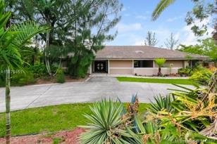 9351 NW 39th Ct - Photo 1