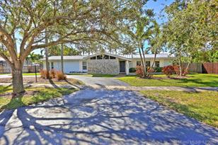 17520 SW 89th Ave - Photo 1