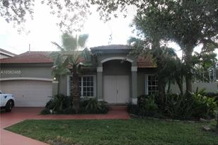 8748 NW 189 Ter - Photo 1