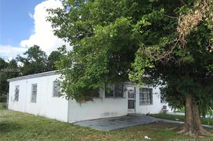 16520 NW 19th Ct - Photo 1