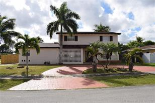 10900 SW 178th Ter - Photo 1