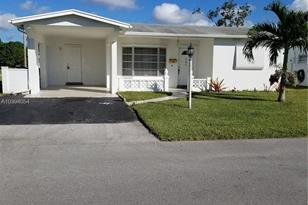 4290 NW 49th Ter - Photo 1