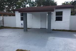 3146 NW 45th St - Photo 1