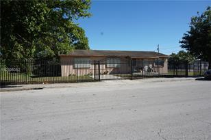 17351 SW 104th Ave - Photo 1