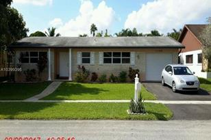 11700 NW 15th St - Photo 1