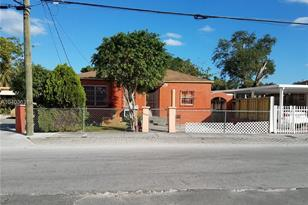3725 NW 15th Ave - Photo 1