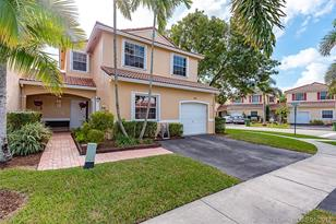 985 SW 180th Ter - Photo 1