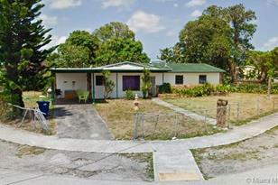 4281 NW 171st St - Photo 1