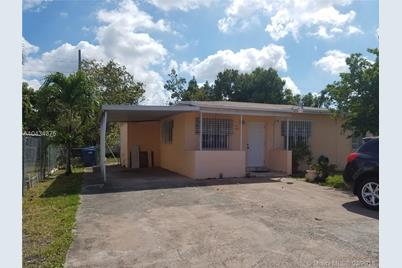9565 NW 32nd Ct - Photo 1