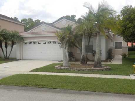 17434 NW 10th St - Photo 1