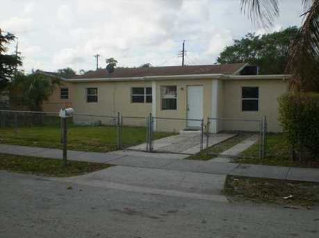 2504 NW 9th Ct - Photo 1