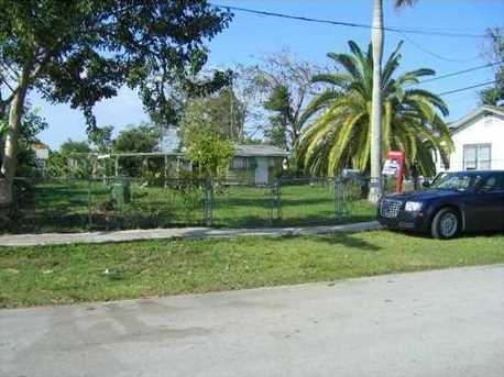 827 NW 4 St - Photo 1