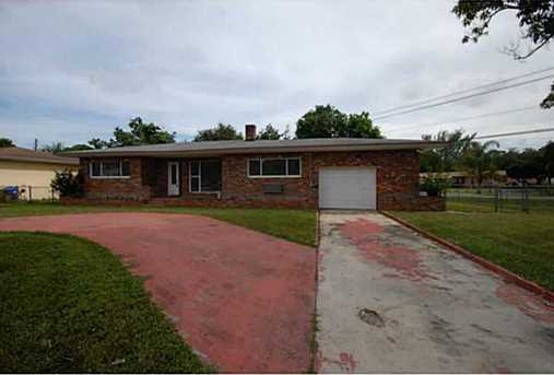 14301 NW 15 Dr - Photo 1