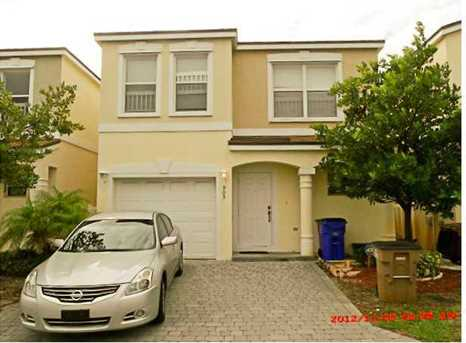 905 SW 15th St - Photo 1