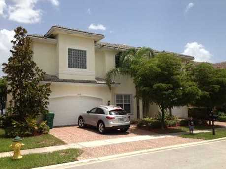 17969 SW 54th St - Photo 1