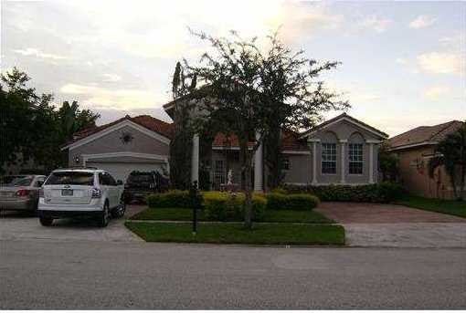 16381 NW 13th St - Photo 1